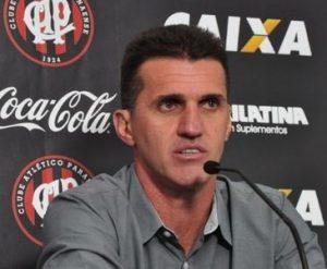 Treinador Vagner Mancini na sua passagem pelo Atlético-PR.