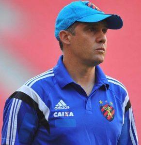 Eduardo Baptista como treinador do Sport.