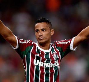 Cícero jogando pelo Fluminense.