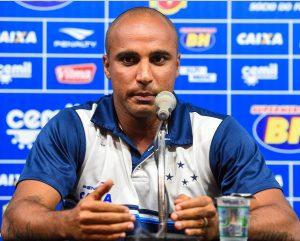 Técnico Deivid no comando do Cruzeiro.