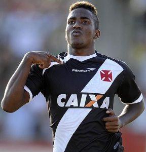 Thalles comemorando gols pelo Vasco da Gama.