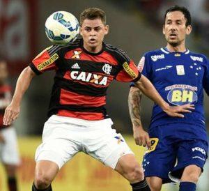 O Flamengo detém o passe do volante Jonas.
