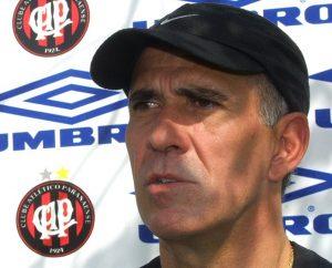 Mário Sérgio técnico do Atlético Paranaense por três vezes.